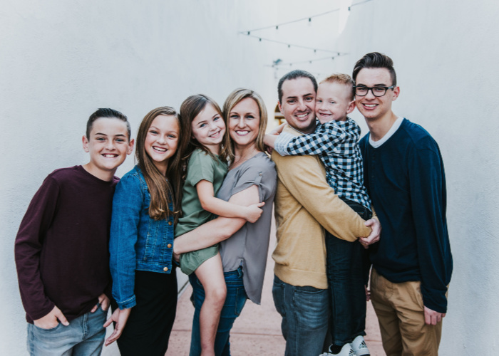 About Stephanie Dulgarian and her family of 7.