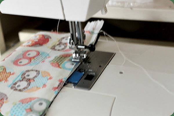 sewing a zipper with a sewing machine